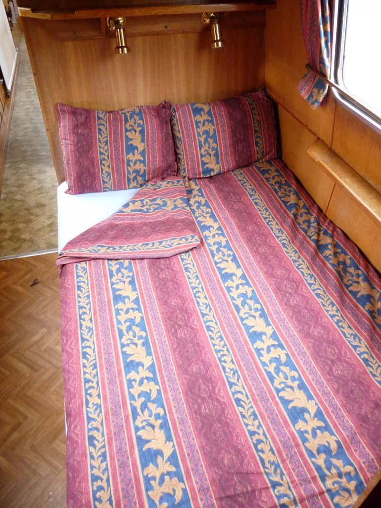Rumba double bed