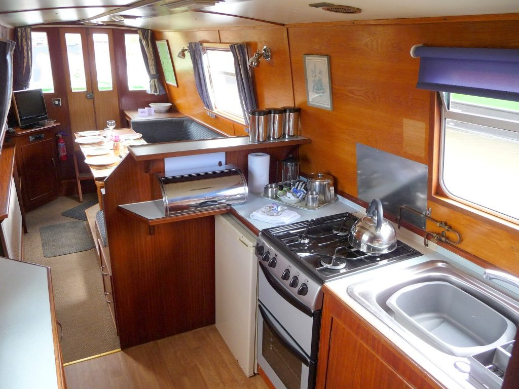 Rainbow Galley to Dining