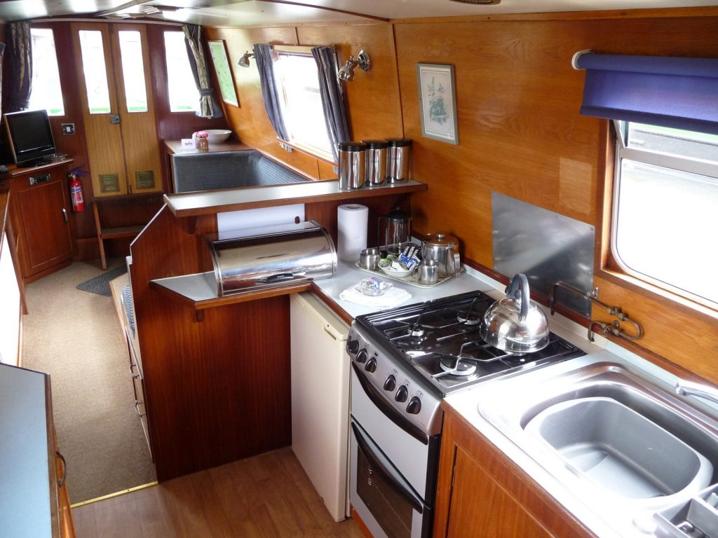 Rainbow Galley to Saloon