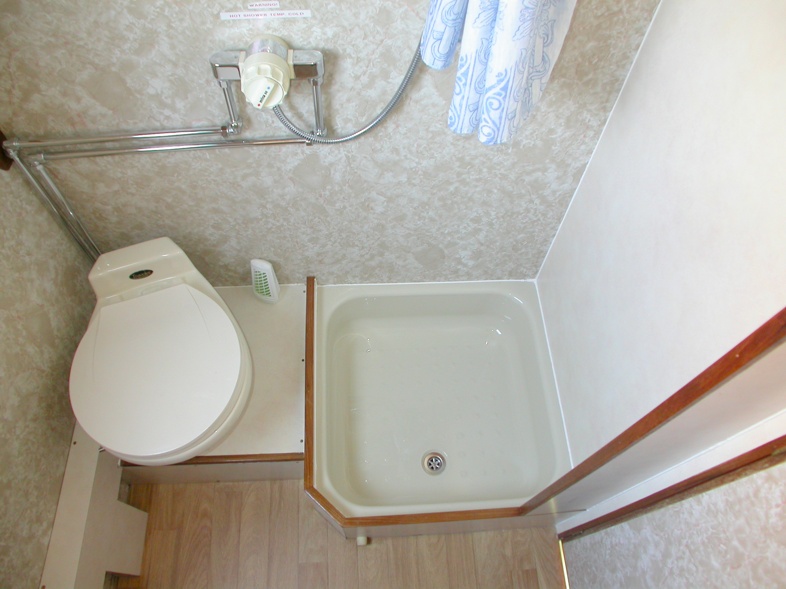 Cameo Toilet & Shower