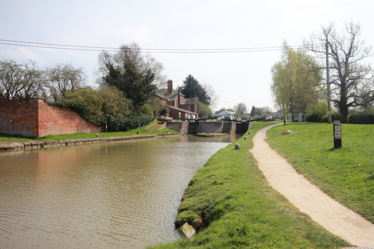 Hillmorton Bottom Locks